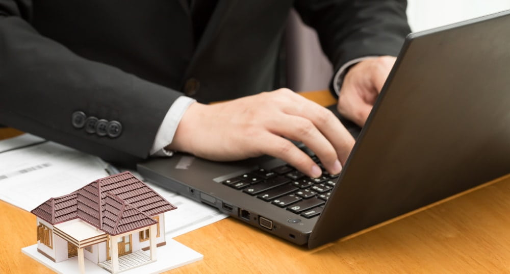 Online lenders and online mortgage brokers compared